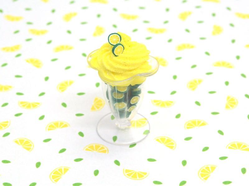 Coupe glacée et citrons verts