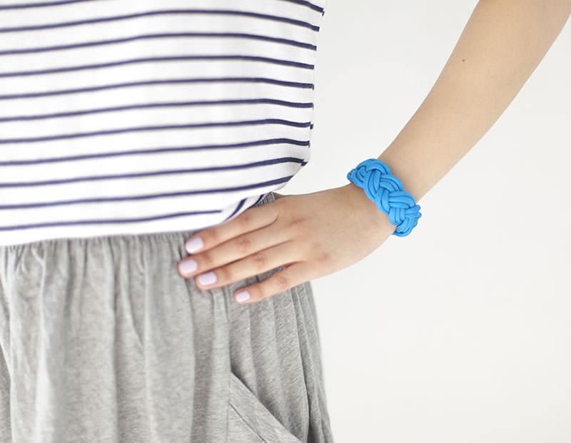 Le bracelet en paracorde