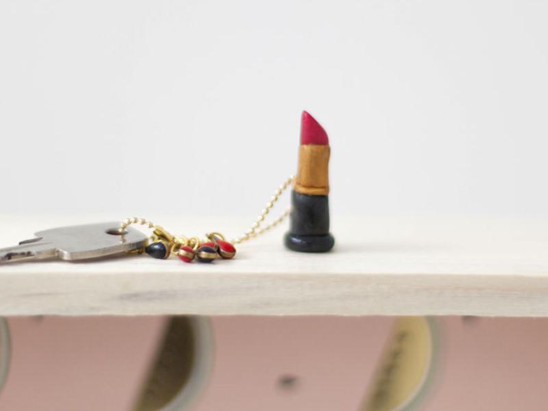 Le rouge à lèvres en Fimo