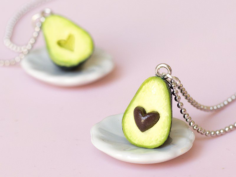 Le collier avocat d'amour