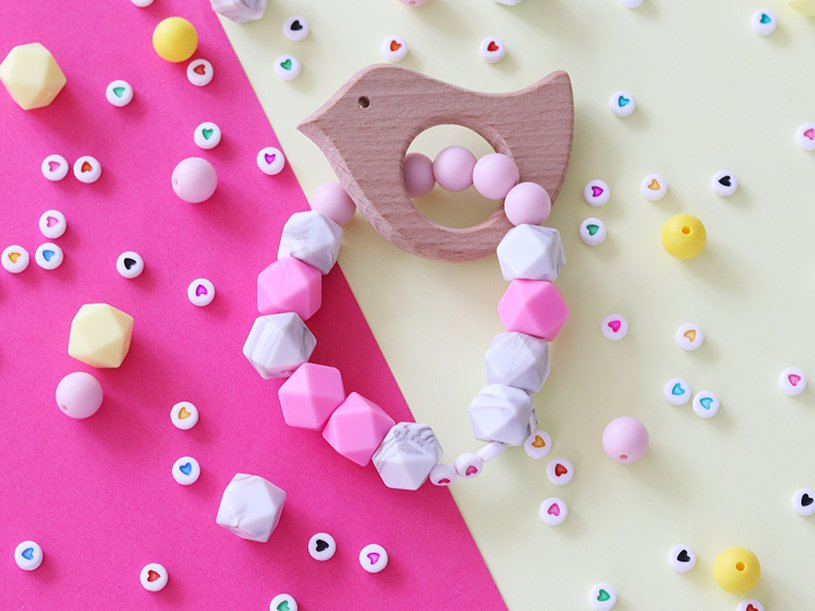 Le hochet en perles silicone