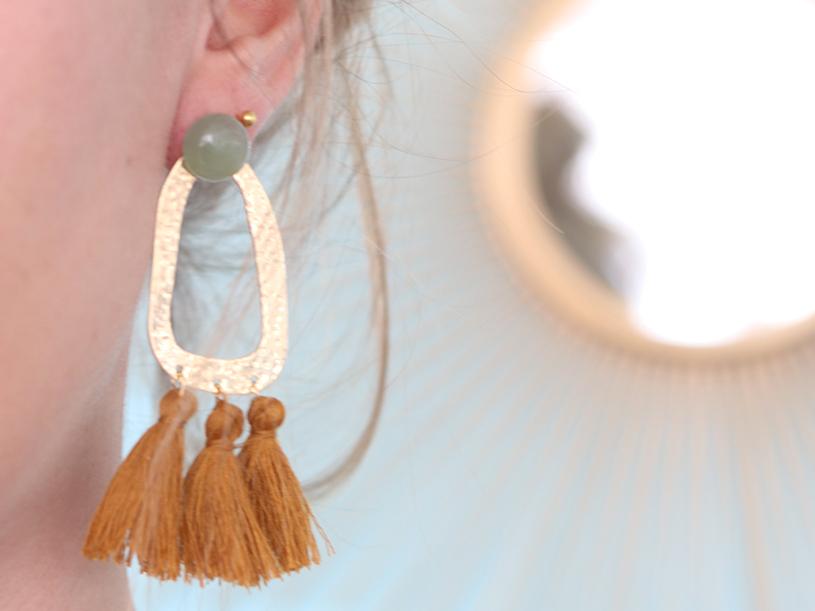 Les maxi boucles d'oreilles pompons