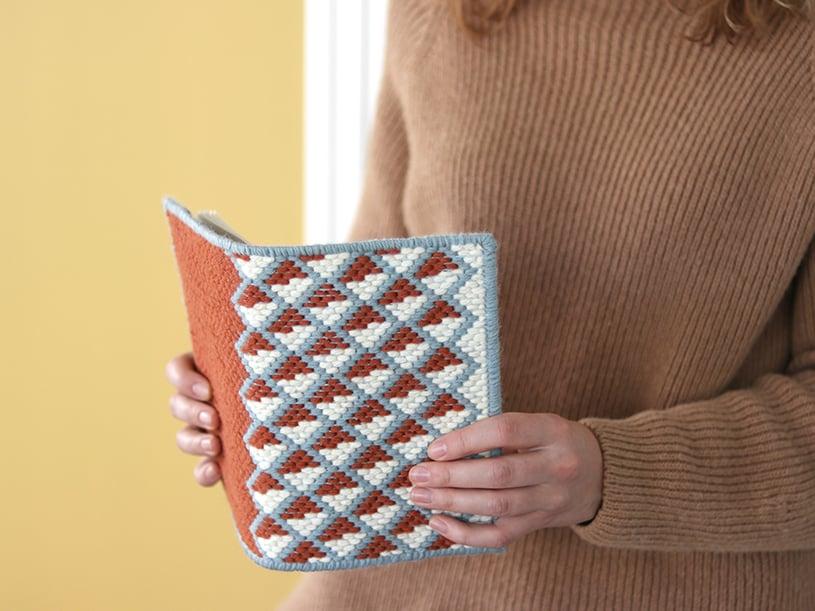 La couverture de cahier en bargello