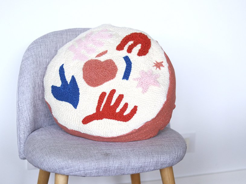 Le pouf en punch needle