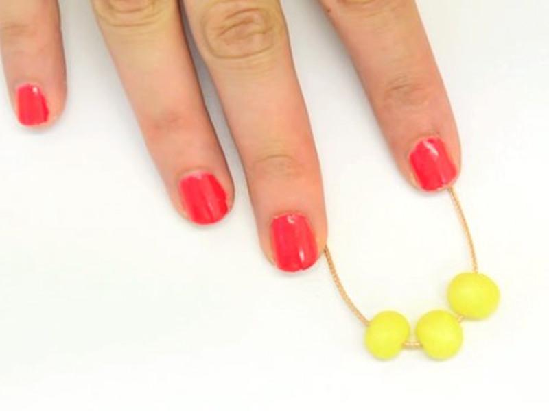 Le collier d'été en perles Fimo