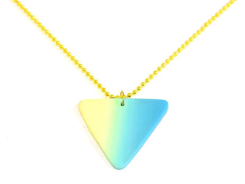 Pendentif triangle dégradé