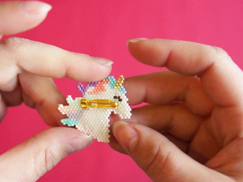 La broche licorne en perles Miyuki