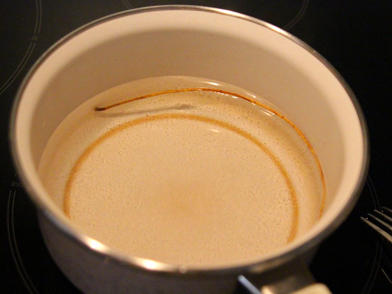 Si les brindilles sont trop sèches et cassantes, ramollissez-les en les plongeant dans de l'eau chaude.