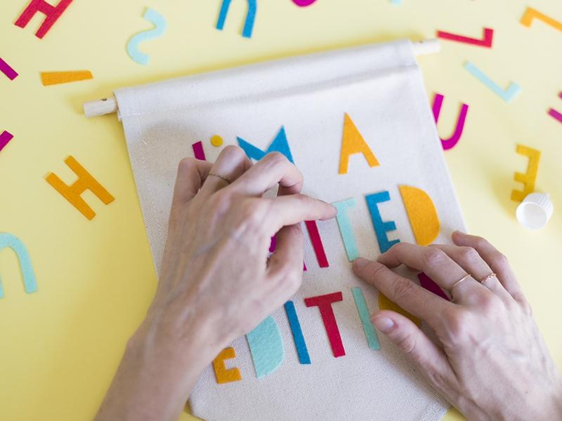 Pour coller toutes vos lettres!