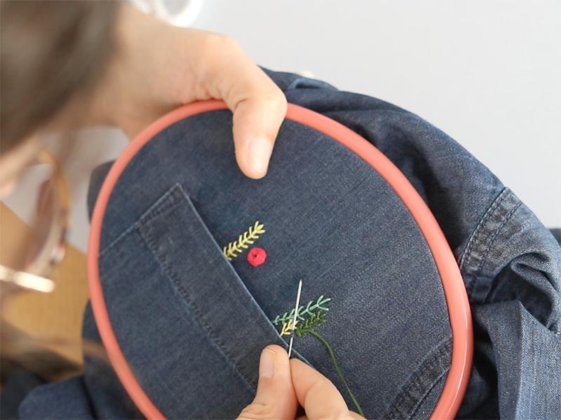 Vous pouvez maintenant broder vos fleurs, en suivant les explications de la vidéo et le diagramme