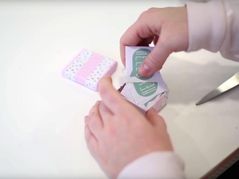 Vous pouvez maintenant ranger vos cartes dans la jolie boîte