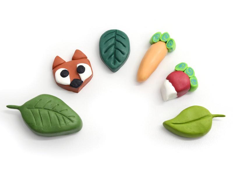 """Réalisez toutes les figurines que vous le souhaitez. Ici : des feuilles et un renard (inspiré du livre """"Grigris en pâte polymère"""")."""