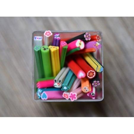 Acheter Cane sourire Violet- en pâte polymère pour le modelage - 0,99€ en ligne sur La Petite Epicerie - Loisirs créatifs