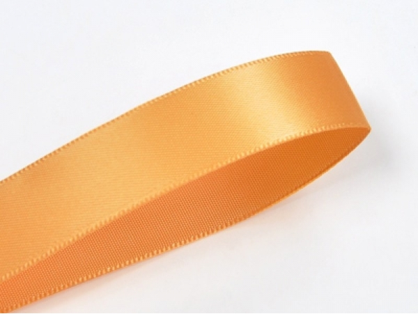 1 m of satin ribbon (6 mm) - light orange