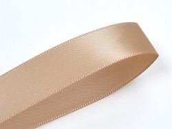 1 m einfarbiges Satinband (6 mm) - Milchkaffee