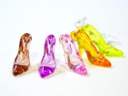 1 breloque chaussure de cendrillon translucide rose 35 x 20 mm