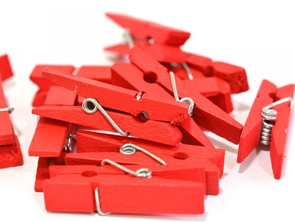50 mini wooden clothes-pegs - red