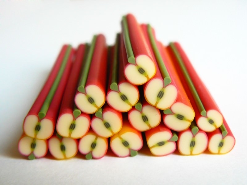 Acheter Cane pomme reinette - en pâte polymère - 0,99€ en ligne sur La Petite Epicerie - 100% Loisirs créatifs