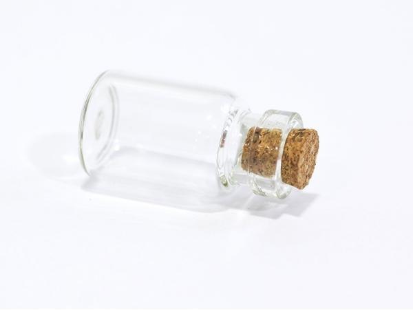 1 glass bottle - 2.6 cm