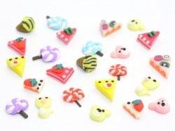 lot de 24 sucreries miniatures dans leur boîte.  - 1