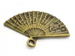 1 breloque éventail - couleur bronze