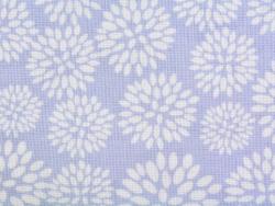 Gemusterter Stoffrest - Dahlien auf blauem Hintergrund