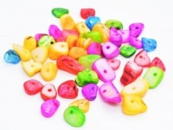 50 perles coquille chips - multicolores