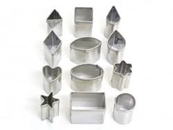 12 kleine Ausstechformen - geometrische Formen