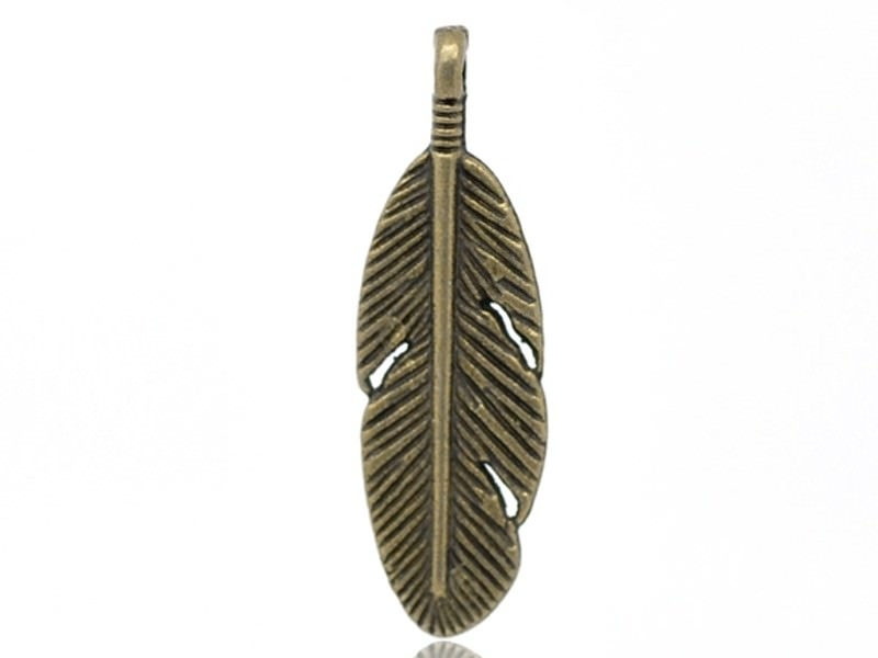 1 bronze-coloured feather charm