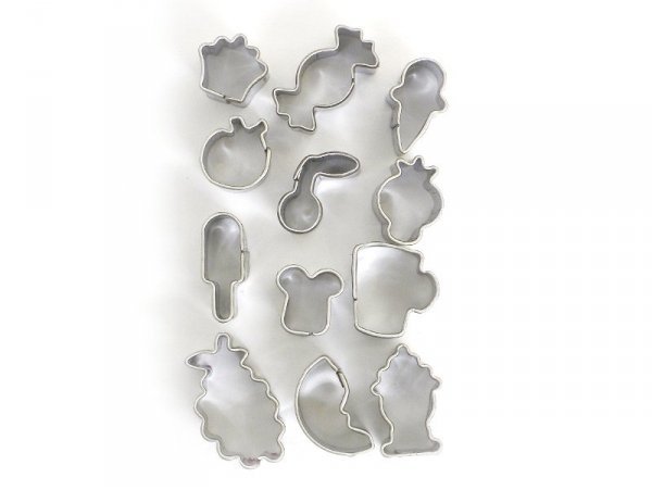12 mini biscuit cutters - Sweets