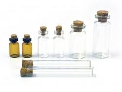 Set aus 8 Glasfläschchen