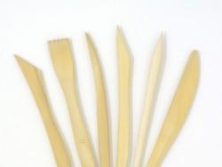 6 outils de modelage en bois