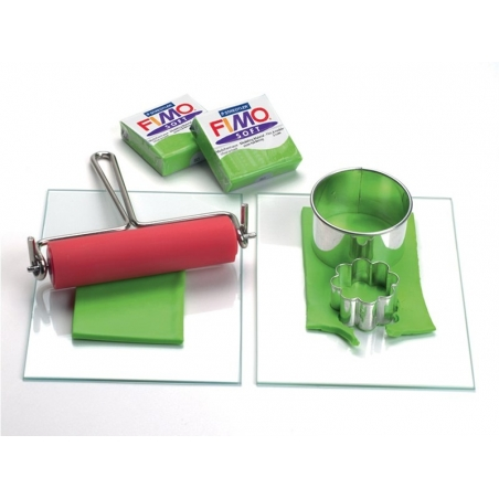 Modelling roller with a handle