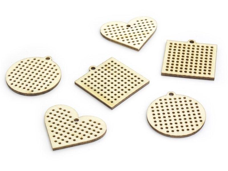 Jolis pendentifs en bois à broder Rico Design - 1