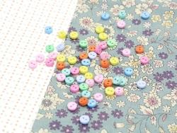 Mini boutons en plastique - 6 mm