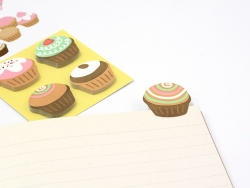120 stickers / bookmarks - Cupcakes