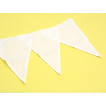 6 white fabric pennants - 13.5 cm x 19 cm