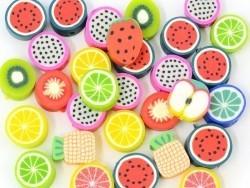 30 perles en pâte polymère - fruits  tutti frutti