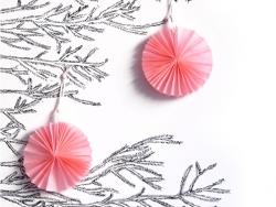 4 mini rosaces en papier de soie 8 cm - rose clair