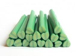 Cane grosse feuille verte en fimo