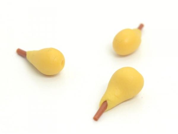 Acheter 1 Poire miniature en pâte polymère - 1,19€ en ligne sur La Petite Epicerie - 100% Loisirs créatifs