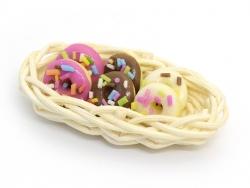 Miniaturkorb mit Donuts