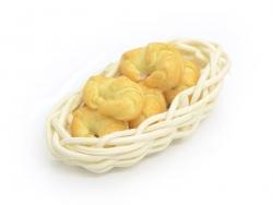 Miniaturkorb mit Croissants