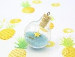 1 fiole-bulle en verre et son bouchon en liège