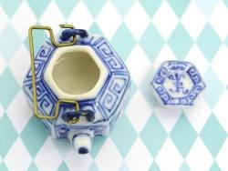 Verzierte Teekanne aus Keramik - 2,5 cm