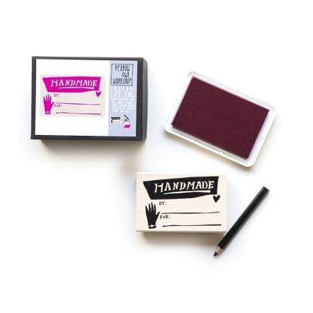 Tampon Gift Tag Handmade + Encreur rose + Crayon noir Yellow Owl Workshop - 1