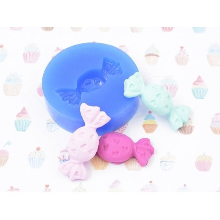 Silicone mould - piece of candy with small hearts