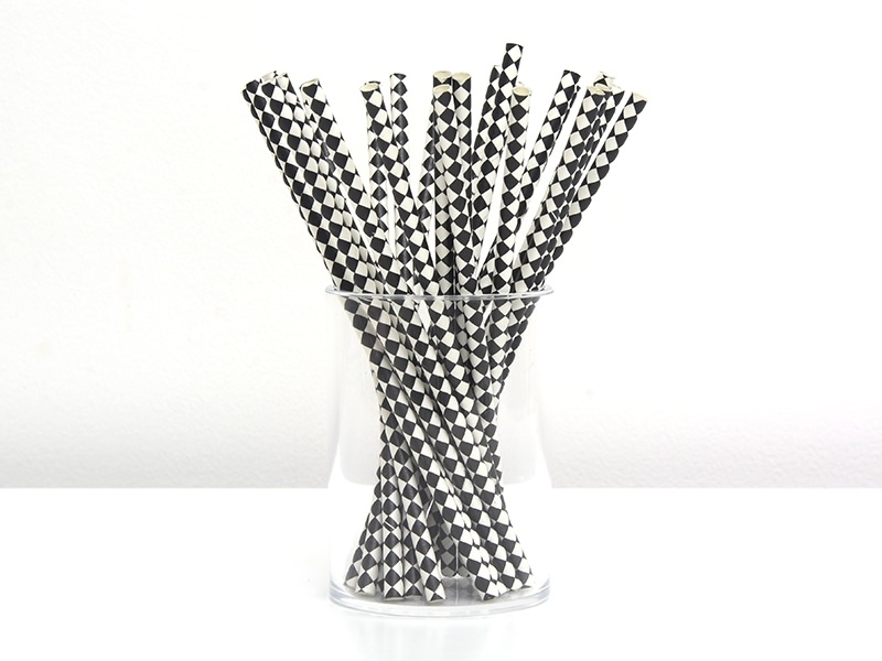 25 Pailles en papier - carreaux noir et blanc