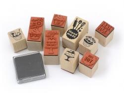 """Acheter Kit 9 tampons """"fait maison"""" gourmand + 1 encreur noir - 8,40€ en ligne sur La Petite Epicerie - 100% Loisirs créatifs"""