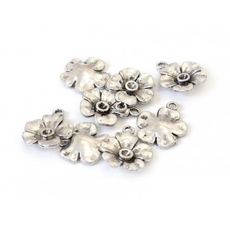 1 Breloque fleur argentée - bouton d'or